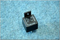 normally open relay 6V 15A 155W (UNI) with holder