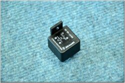 switching relay 12V 30A 250W ( (UNI) without holder