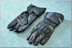 Gloves Former - black ( AYRTON )